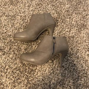 MADDEN GIRL SIZE 9 BOOTIES